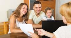 family-insurance-agent