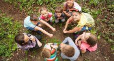 kids-outside-summer