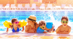 family-pool-splash