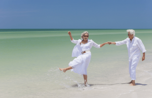 couple-beach-min
